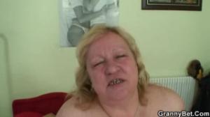 Esta mujer Madura solo desea que se cumpla su sueño sexual