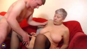 Madura busca jóvenes para encuentro sexual en su piso