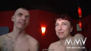 Dos zorritas muy ardientes comparten su pasión por el sexo