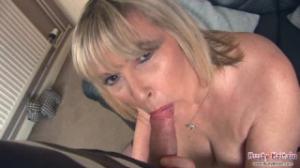 Alisha Rydes es toda una señora del porno y del placer maduro