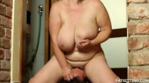 El sexo con una madura tetona es lo más excitante que hay