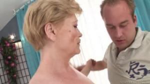 Esta mujer ha ganado experiencia sexual con el paso de los años