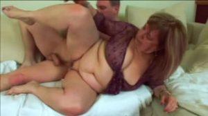 Dominika es una abuela tetona que solo piensa en el sexo
