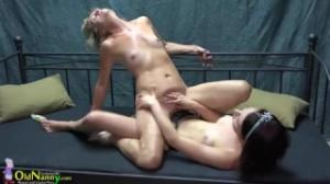 Una abuela se deja coger por una lesbiana de porn hub muy cachonda