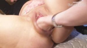 Una rubia madura se excita más en redtube con un aspirador