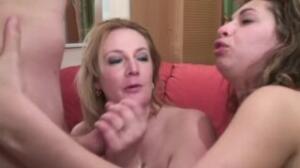 Dos mujeres con un hombre y un fist fucking muy especial de you jizz