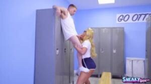 Phoenix Marie es una profesora de deportes de las más guarras